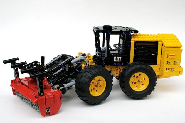 CAT 586C